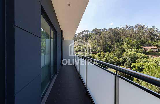 Apartamento T2 com excelente terraço